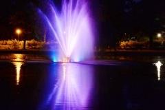 Französischer Garten - Wasserspiel bei Nacht 01